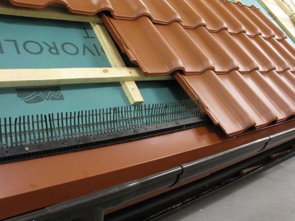 Prawidłowo wykonany okap w dachu krytym dachówką