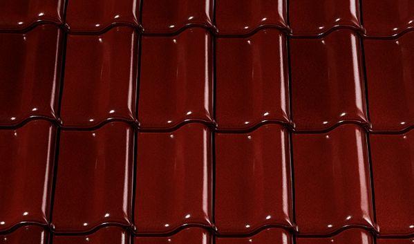 Dach w barwach jesieni – kasztanowa glazurowana dachówka