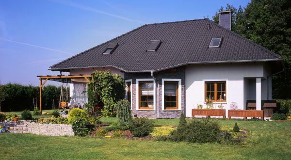 Jak zamontować okna w dachu?