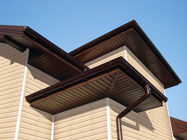 Podsufitka dachowa – estetyczne wykończenie dachu