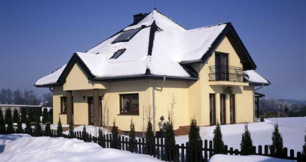 Jak zabezpieczyć dach przed zalegającym śniegiem?