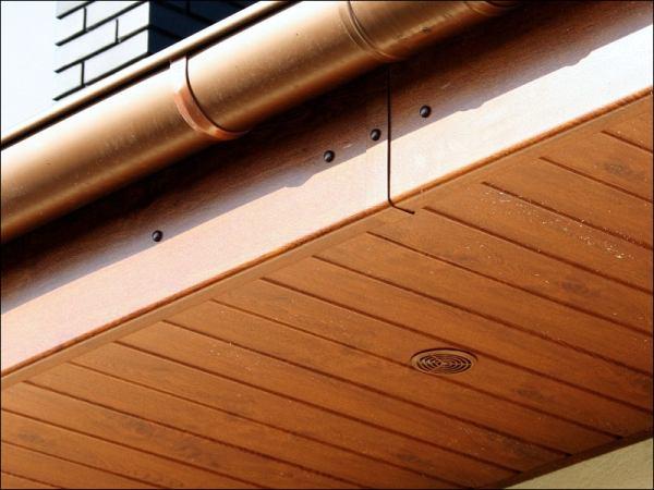 Drewniana sklejka na podbitkę dachową