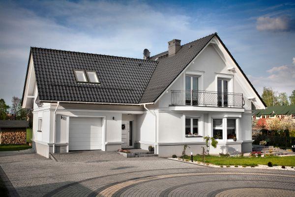 Wilgoć wewnątrz dachu – czym to grozi?